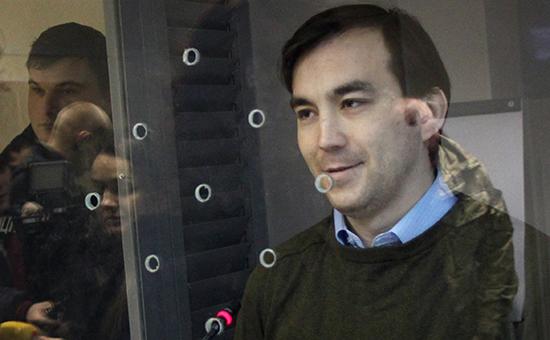 Россиянин Евгений Ерофеев (справа) вГолосеевском районном суде, 29 декабря 2015 год