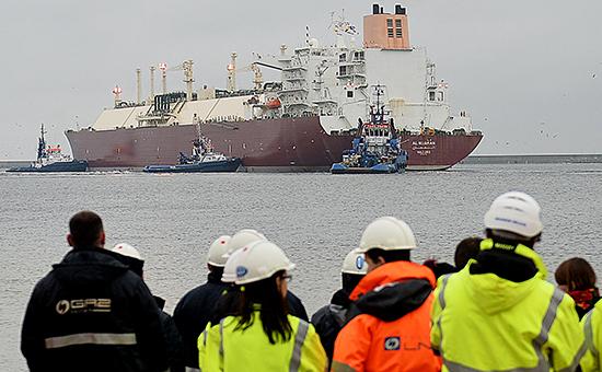 Польша начала импортировать природный газ из Катара