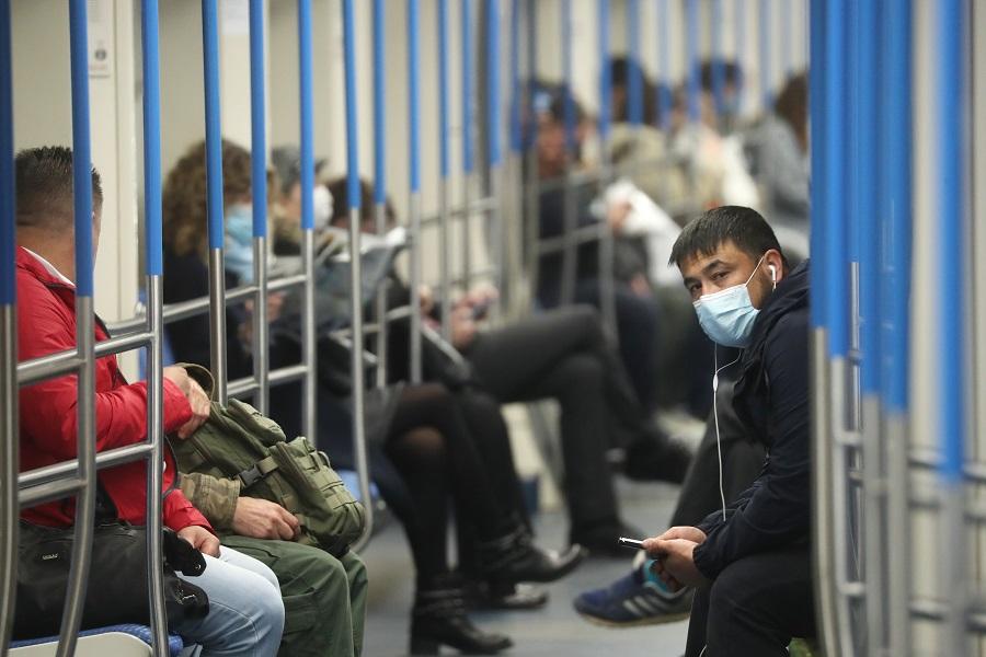 Масочный режим в московском метро