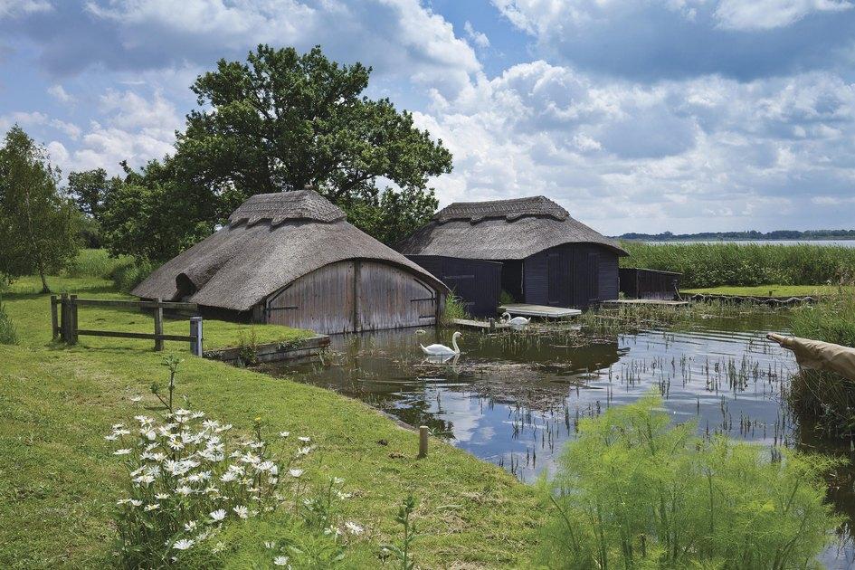 Отсутствие инвесторов средипрошлых собственников позволило сохранить здесь традиционный длясельской Англии жизненный уклад
