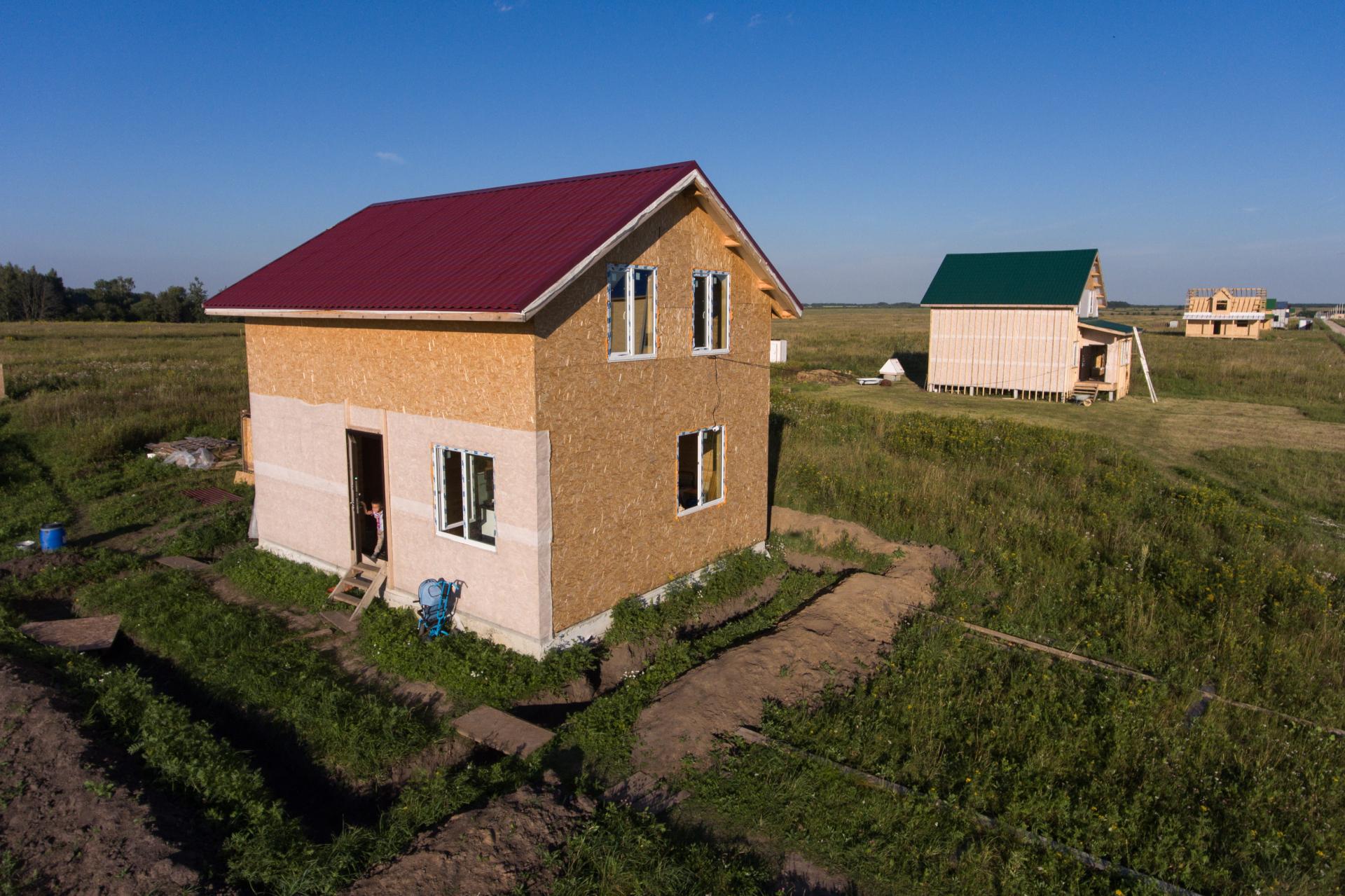 Параметры жилого дома, возводимого на приусадебном земельном участке, должны соответствовать параметрам объекта ИЖС