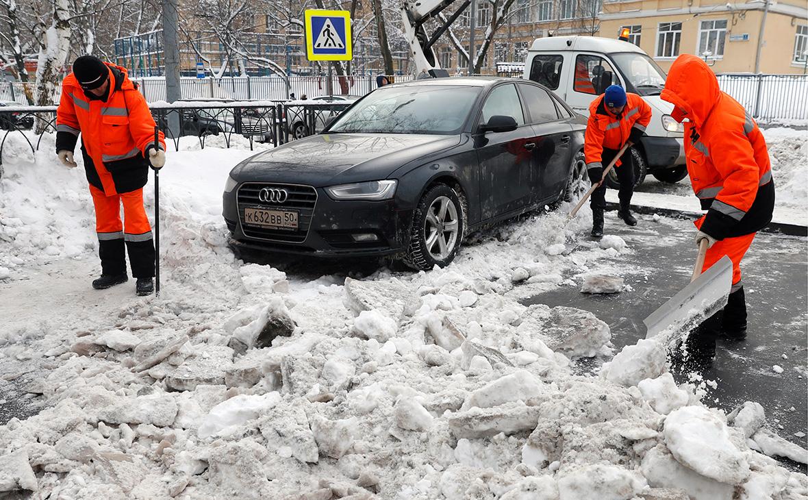 В Москве возбудили уголовные дела о фиктивных дворниках ГБУ «Жилищник»