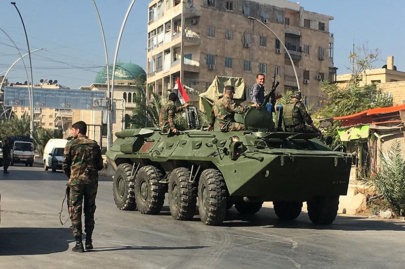 Агитационный БТР в районе гуманитарного коридора в Алеппо, октябрь 2016 года
