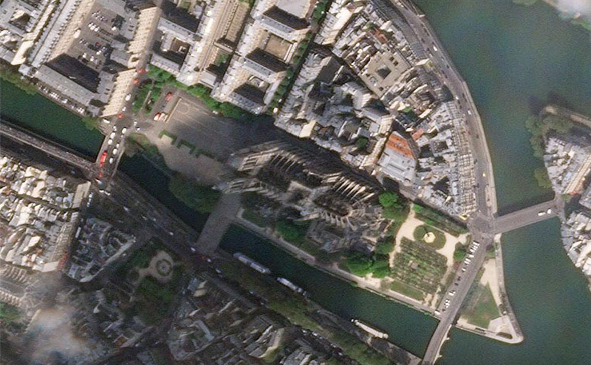 Изображение собора Парижской Богоматери от 17 Апреля 2019