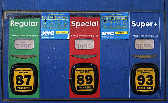 Топливная колонкана АЗС в Бруклине, Нью-Йорк