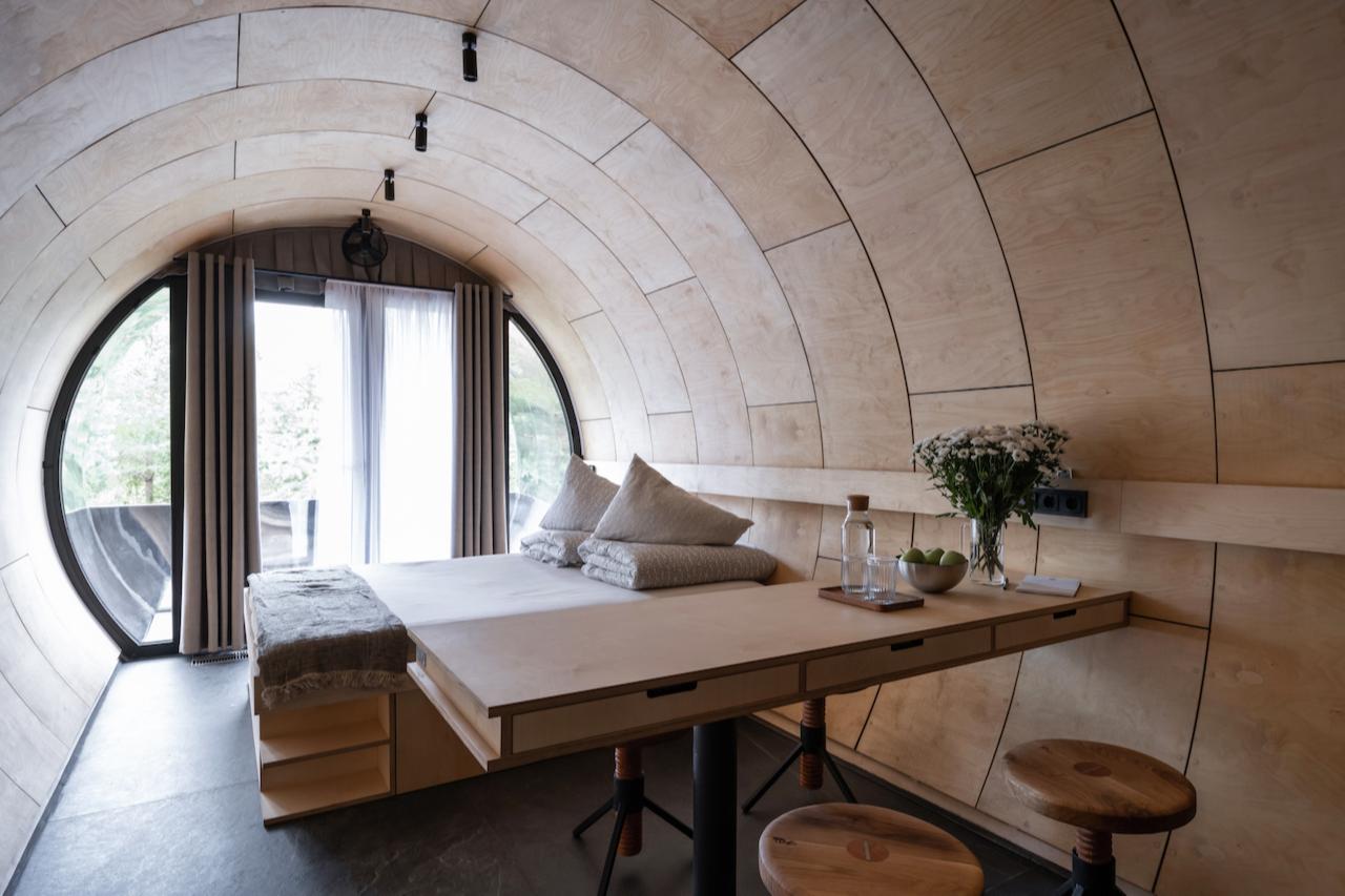 Арт-объект «Русское идеальное» изнутри выглядит как мини-дом