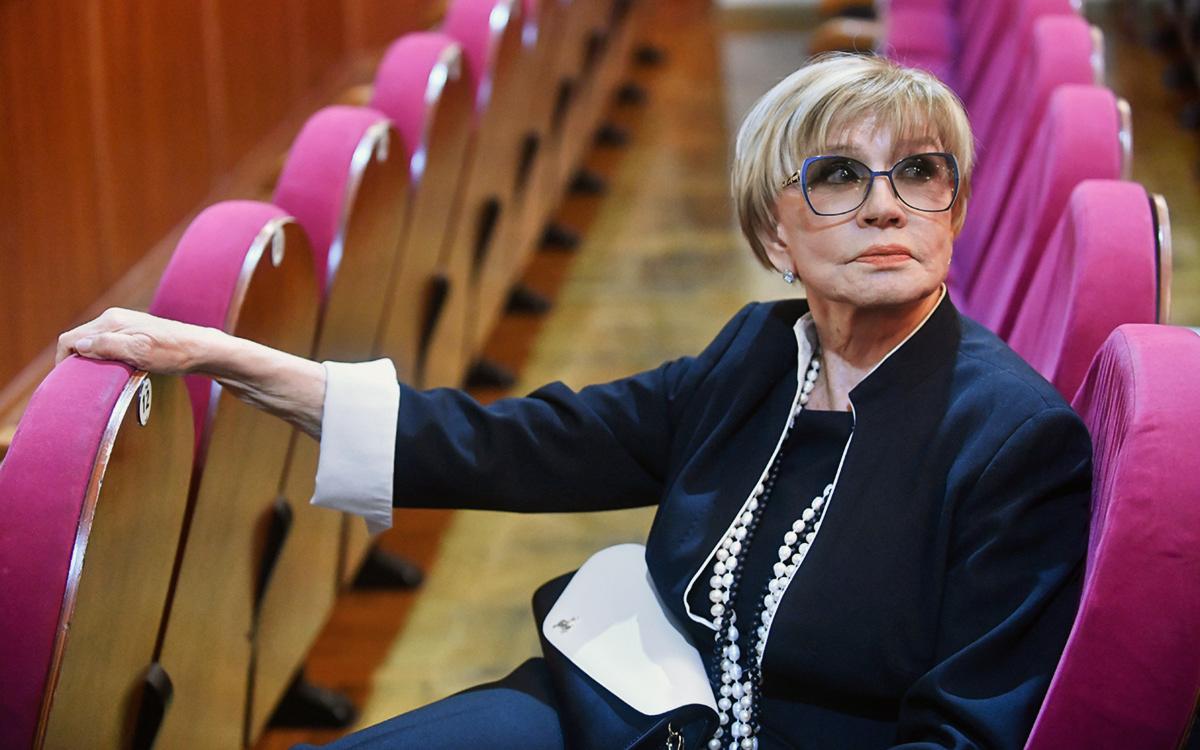 Актера Владимира Стеклова госпитализировали с коронавирусом