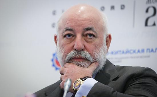 Глава «Реновы»миллиардер Виктор Вексельберг