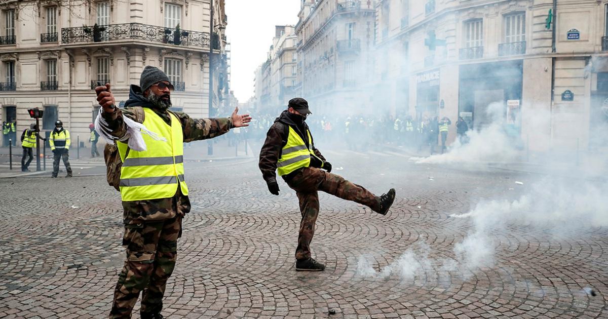 Франция начала расследование о влиянии России на акции «желтых жилетов»