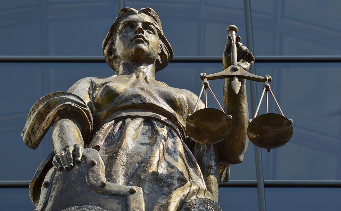 Обвиняемого в предложении посредничества во взятке следователя арестовали