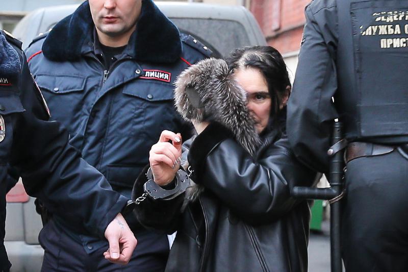 Президент Внешпромбанка Лариса Маркус, подозреваемая в мошенничестве, в Тверском суде после ареста