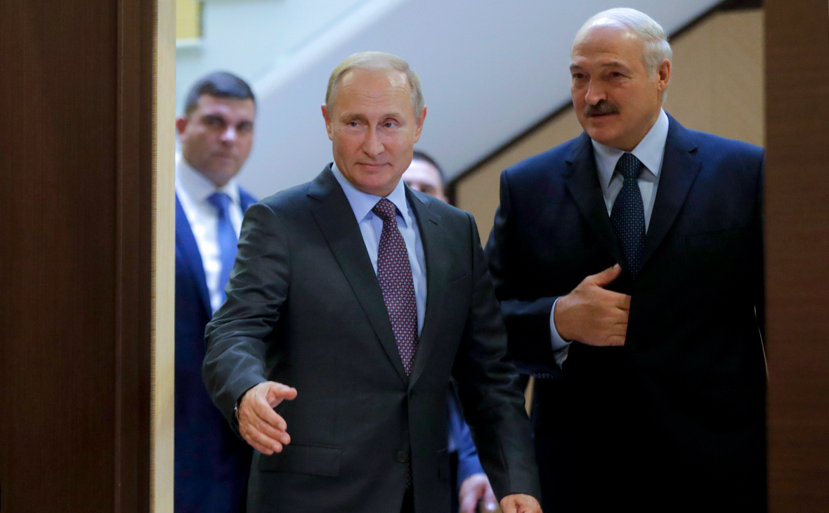 Владимир Путин и Александр Лукашенко (слева направо)