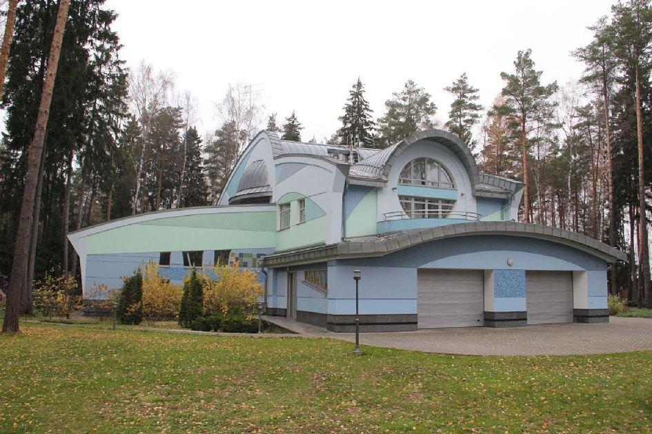 Дом «Астральный остров» по проекту архитектора Владимира Бурмистрова