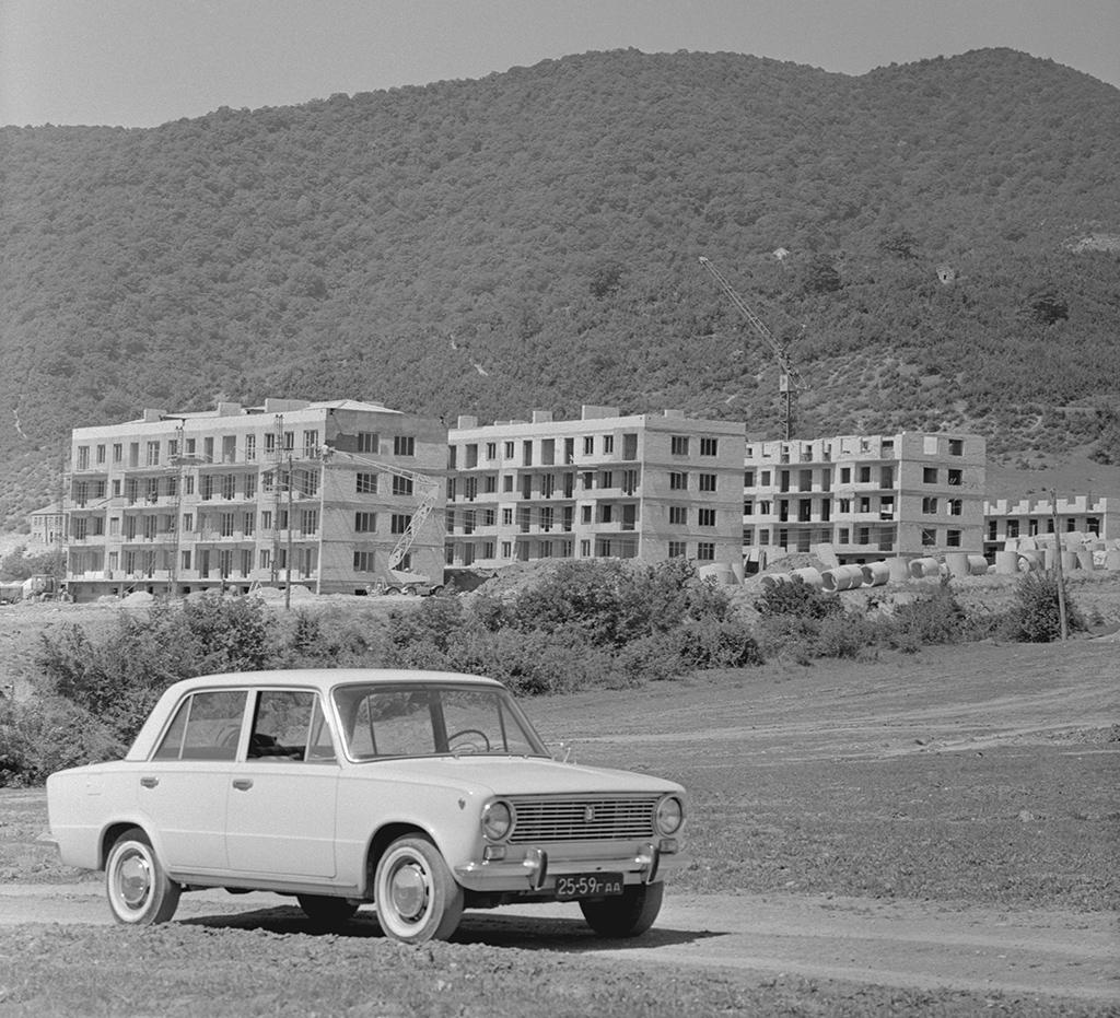 Строительство Жинвальского поселка, Грузинская ССР