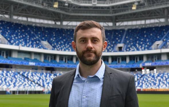 На фото: директор стадиона Владимир Савин