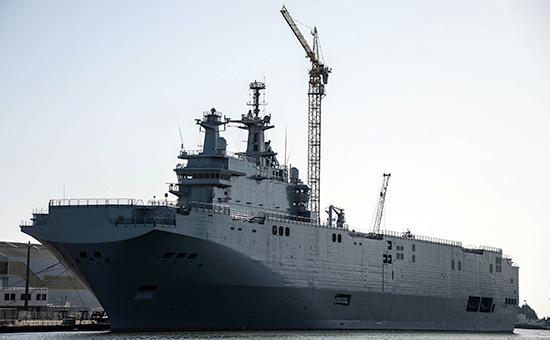 """Универсальный десантный корабль """"Владивосток"""" класса """"Мистраль"""" в доках французской компании SNX France"""