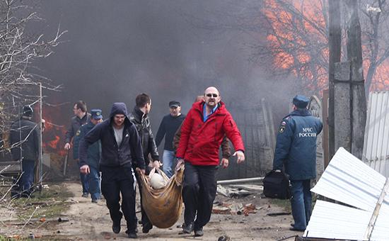 Оказание помощи пострадавшему в результате пожара на складе магазина пиротехники, после которого начались взрывы