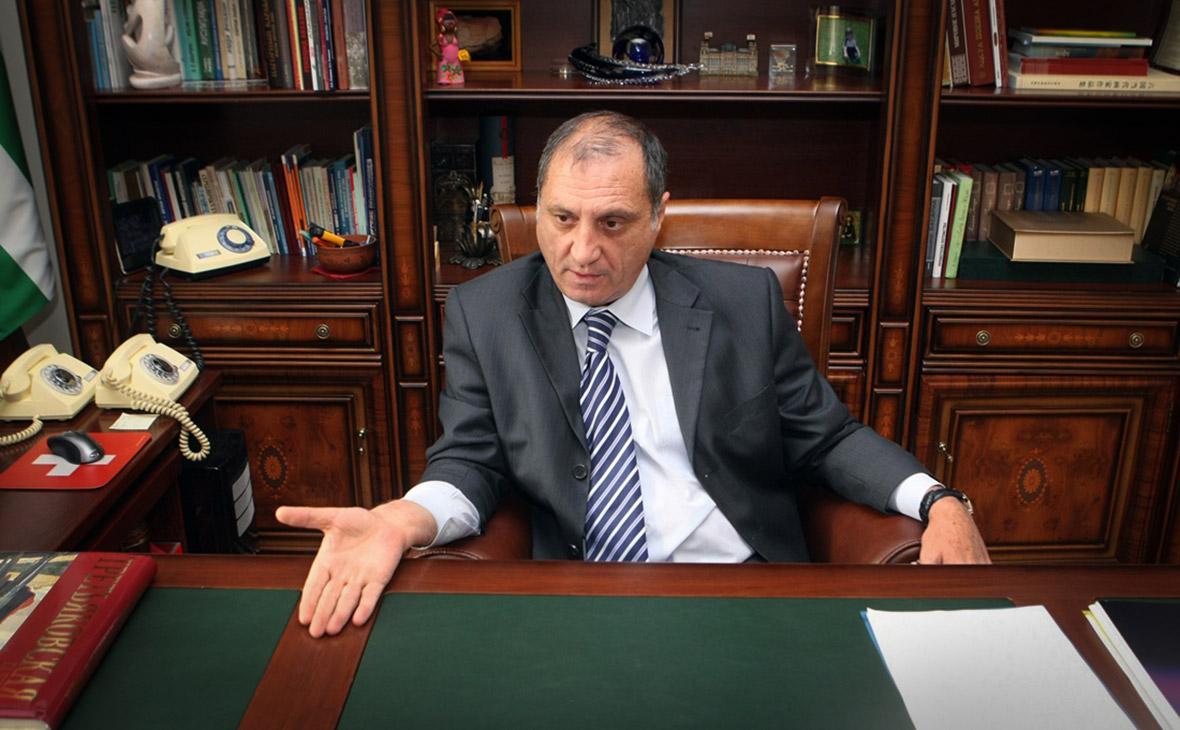 Экс-глава МИД Абхазии рассказал о плане России объединить Сухум и Цхинвал  :: Политика :: РБК