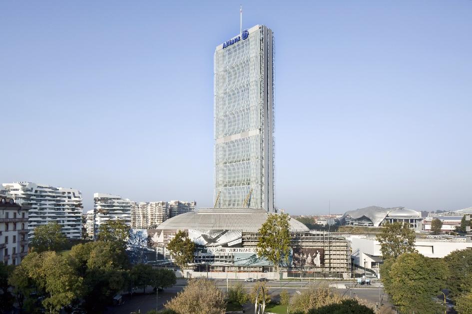 Небоскреб Allianz Tower в Милане (2015)