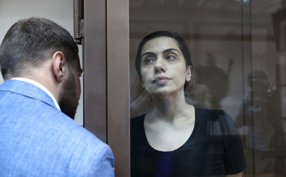 Карина Цуркан во время рассмотрения жалобыв Московском городском суде