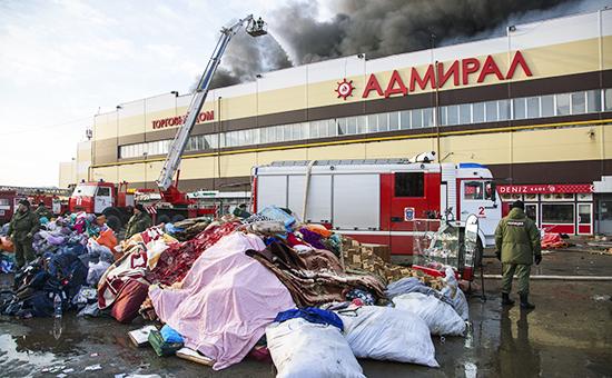 Тушение пожара в торговом центре «Адмирал»