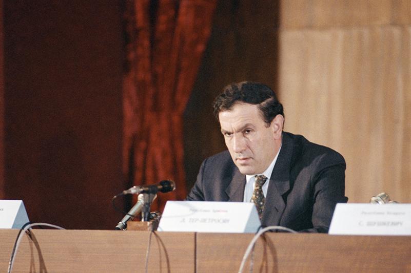 Президент Армении Левон Тер-Петросян. Фото 1992 года