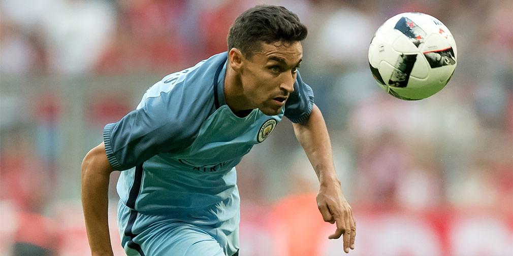 Хесус Навас («Севилья»)  Атакующий полузащитник, может играть в защите. Двукратный обладатель Кубка УЕФА, обладатель Суперкубка УЕФА, Чемпион мира, Чемпион Европы.