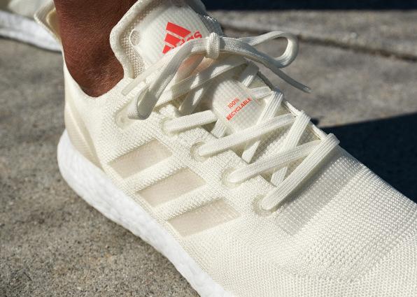 Фото:Adidas