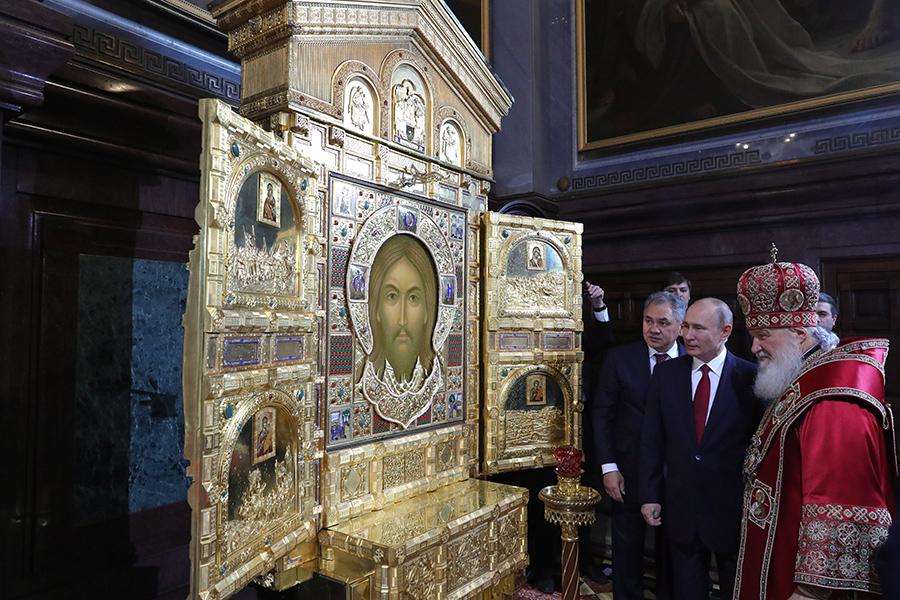 Сергей Шойгу, Владимир Путин и патриарх Кирилл (слева направо)