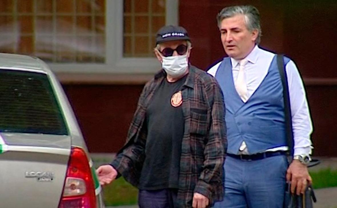 Михаил Ефремов и ЭльманПашаев (справа)