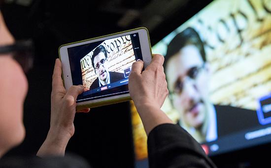 Бывший сотрудник АНБ Эдвард Сноуден