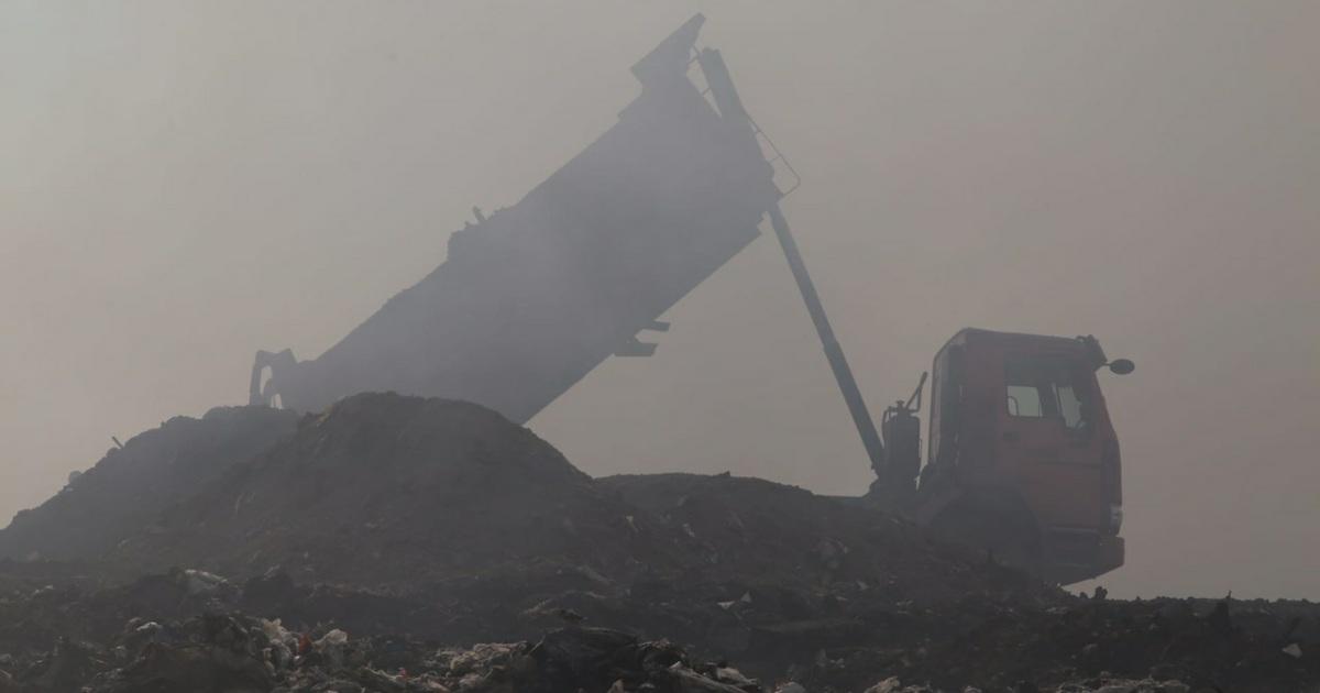 Власти отчитались о тушении пожара на полигоне ...