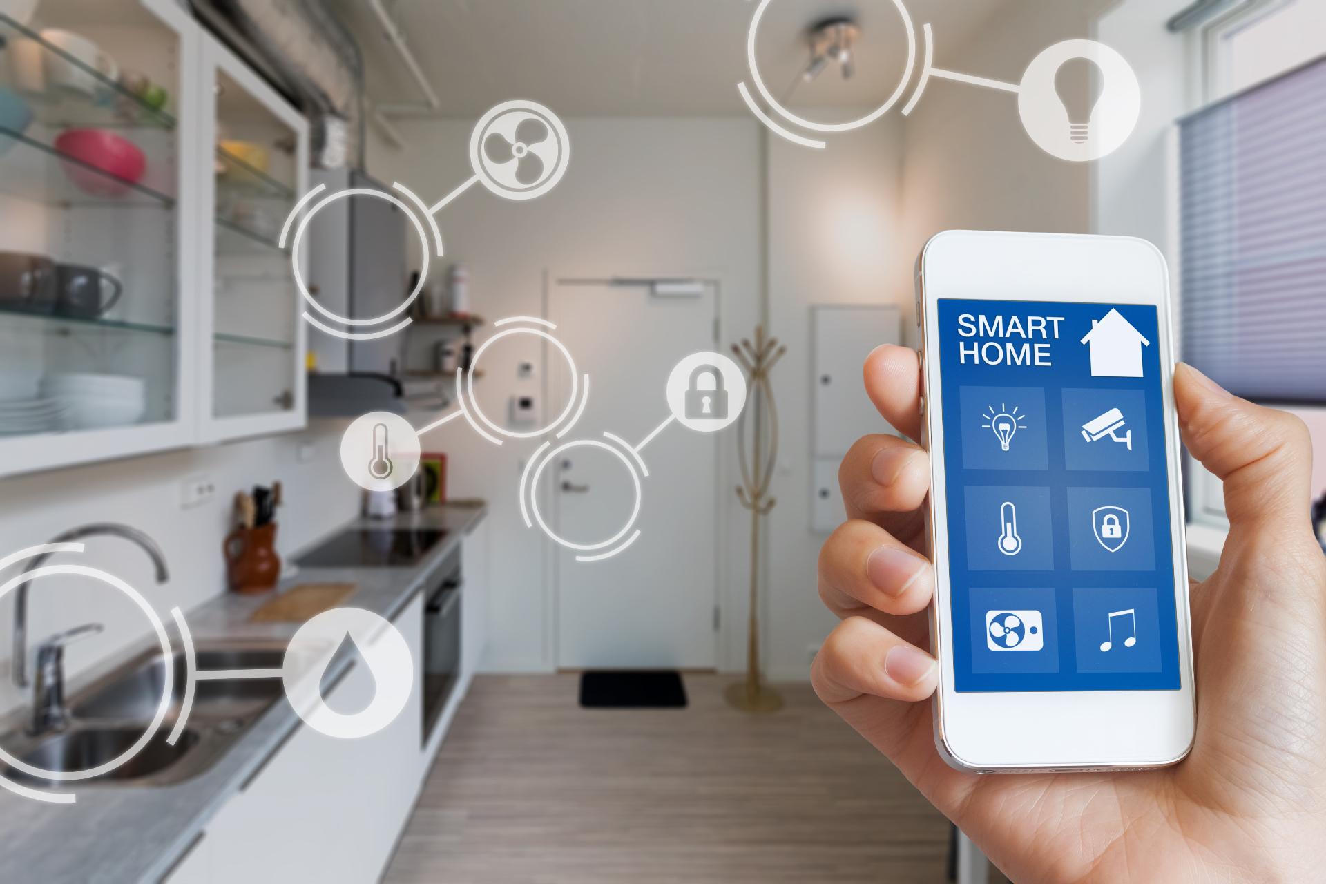 Исследование показало, что потребители и эксперты (продавцы технологий, девелоперы) одинаково смотрят на решения умного дома