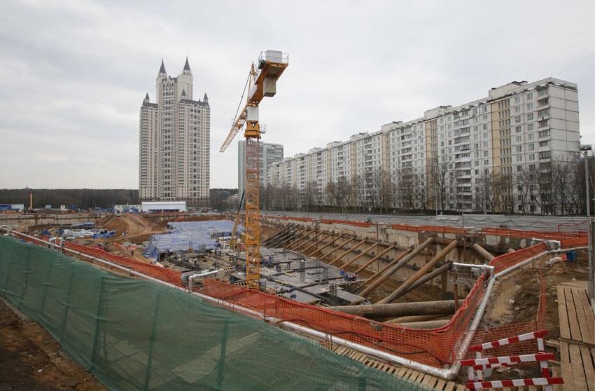 Фото: Строительство торгового центра. ИТАР-ТАСС/ Артем Геодакян