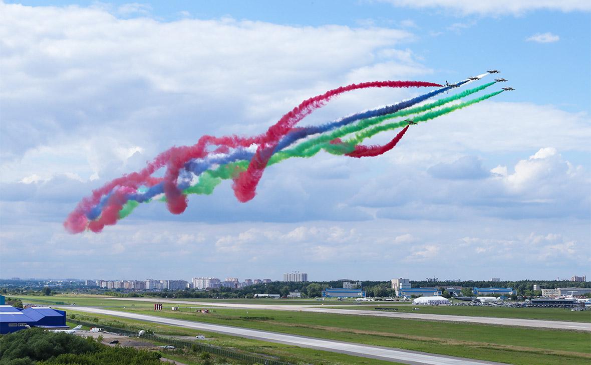 На авиасалоне МАКС-2017 заключили контракты на 400 млрд руб.