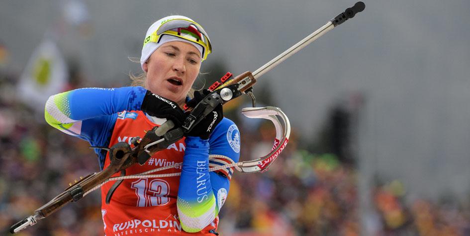 Биатлонистка Дарья Домрачева выиграла третью медаль в сезоне