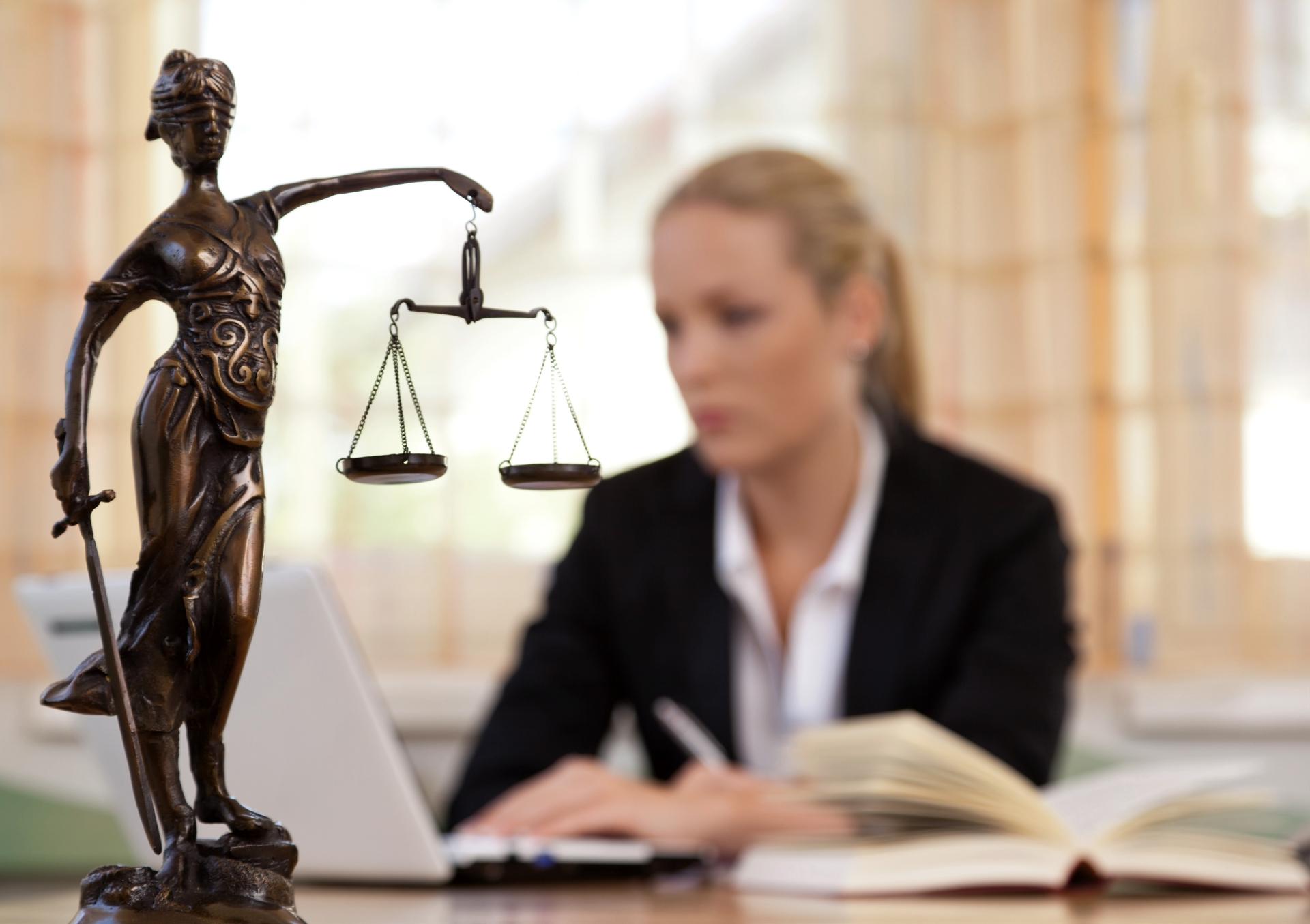 Завещание может быть оспорено по иску лица, права или законные интересы которого нарушены этим завещанием