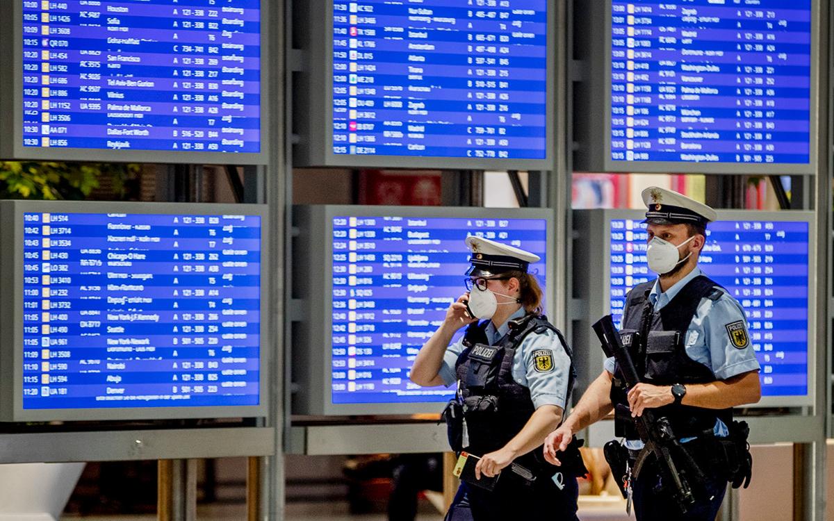 Германия запретит въезд из Великобритании из-за новых штаммов COVID