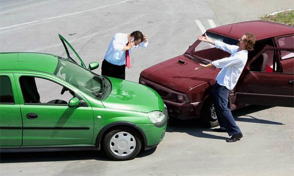 Водителей обязали оформлять ДТП без вызова полиции :: Autonews