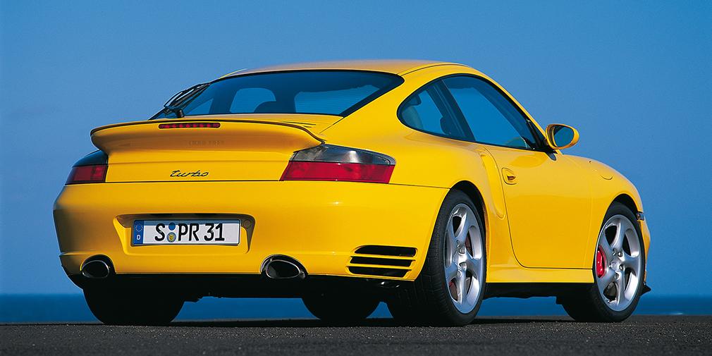 Porsche 911 Turbo После окончательного возвращения в Россию в 2003 г. Шуфутинский сел за руль спорткара Porsche 911 Turbo седьмого поколения в кузове 996 с мотором мощностью 550 лошадиных сил.