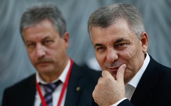 Основатель холдинга «Синдика» Арсен Каноков (справа)