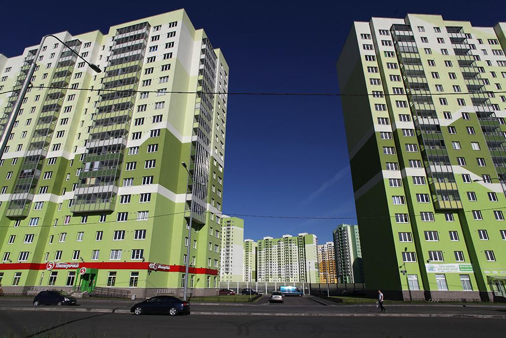 Для получения разрешения настроительство жилых домов вМоскве столичные девелоперы обязаны сделать первые этажи нежилыми