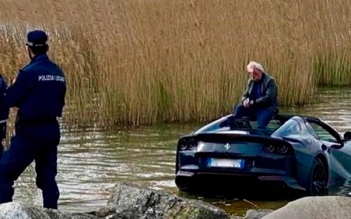 Суперкар Ferrari 812 GTS утонул в озере из-за невнимательности водителя :: Autonews