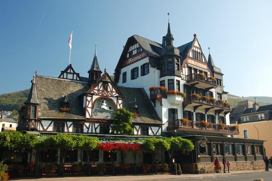 Коммерческие объекты в Германии или Австрии (супермаркеты, сетевые магазины, офисные здания, гостиницы) могут обеспечить доходность в 6–8% годовых