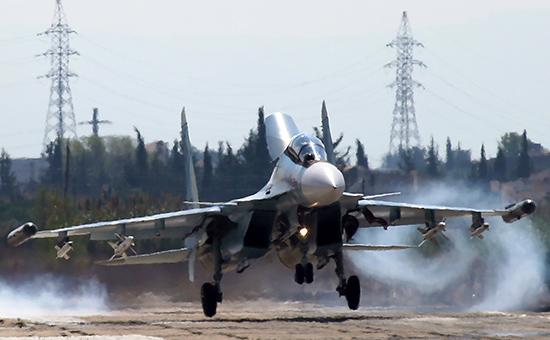 Российский многоцелевой истребитель Су-30СМ наавиабазе Хмеймимв Сирии