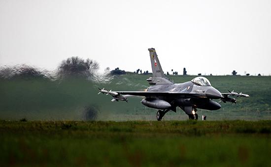 СМИ сообщили о прекращении полетов турецкой боевой авиации над Сирией