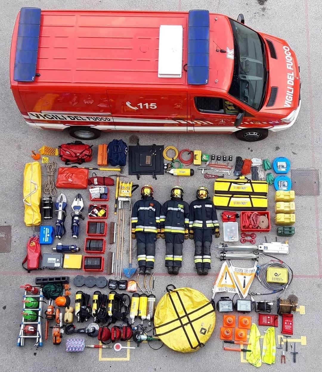 <p>Пожарные в Италии</p>