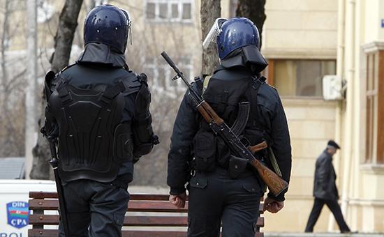 В Баку около мечети произошло вооруженное столкновение с полицией