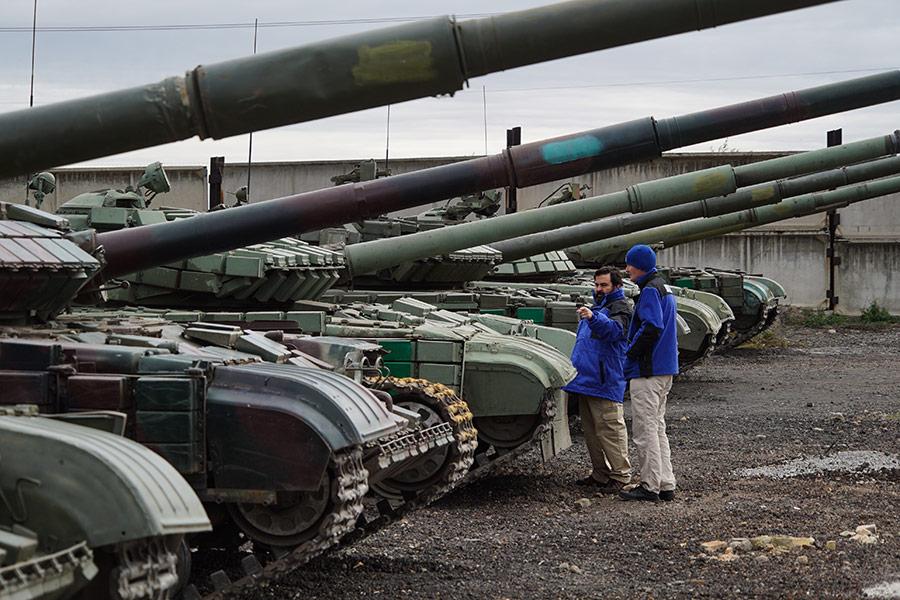 Сотрудники ОБСЕ рядом с Луганском. Октябрь 2015 года