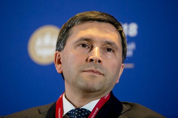 По мнению экспертов, переход Дмитрия Кобылкина (на фото) в правительство негативно сказался на позициях Ивана Кононенко